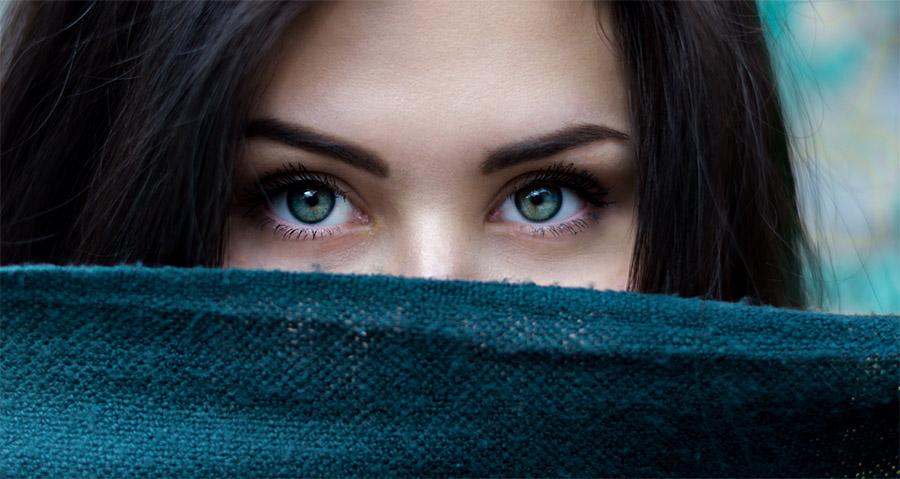 Farging / Napping av øyenbryn